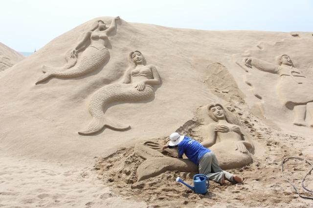 159sand mermaids